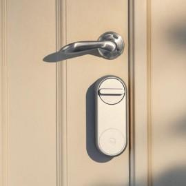 Nakładka Linus na drzwiach